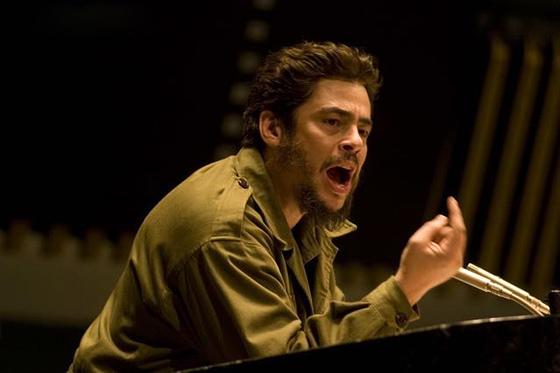 "Benicio del Toro als Revolutionär Ernesto ""Ché"" Guevara bei der Rede vor den Vereinten Nationen, 1964. Foto: IMDb.com"