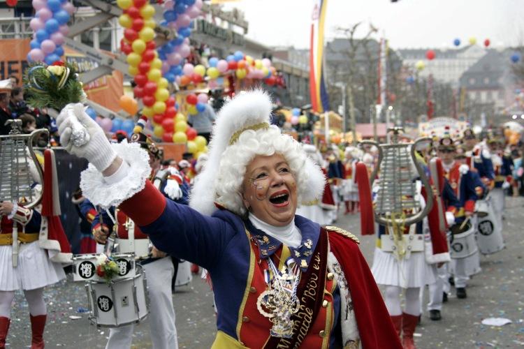 Es stimmt wirklich: Mainz kann gleichzeitig singen und lachen. Foto: Sascha Knopp
