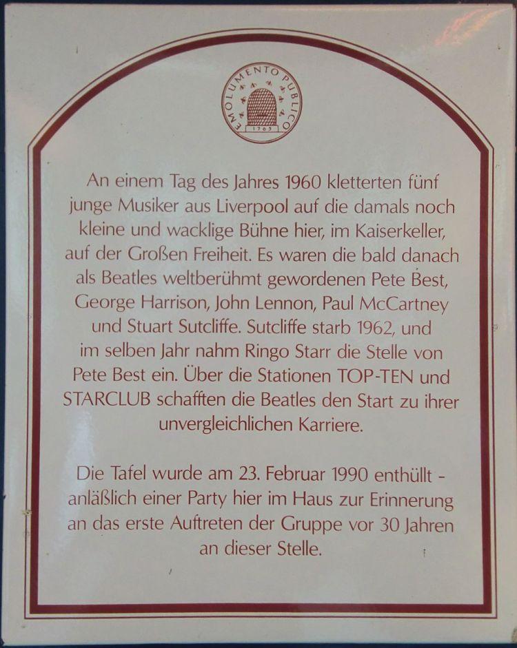 Gedenktafel zur Erinnerung an das Auftreten der Beatles im Kaiserkeller. (Foto von Lipinski, verwendet unter der folgenden Lizenz: CC-BY-SA-3.0, http://creativecommons.org/licenses/by-sa/3.0)