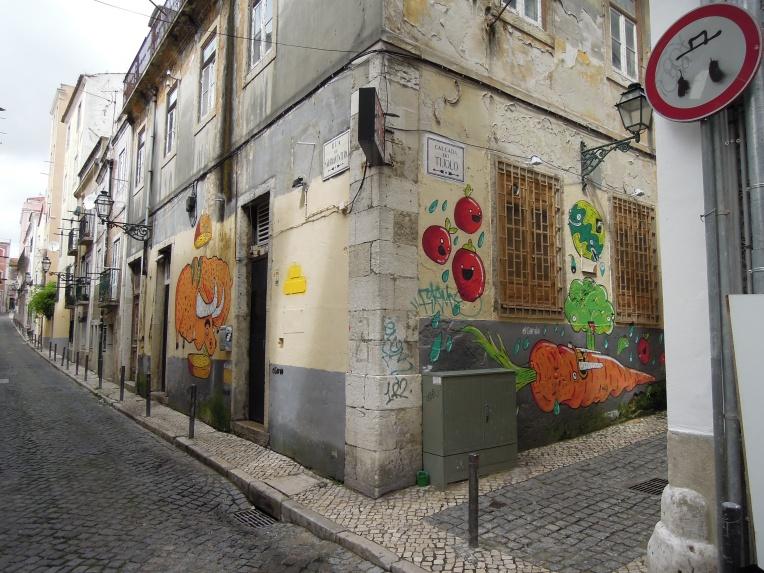 Street-Art im Bairro Alto, Lissabons alternativem Viertel.